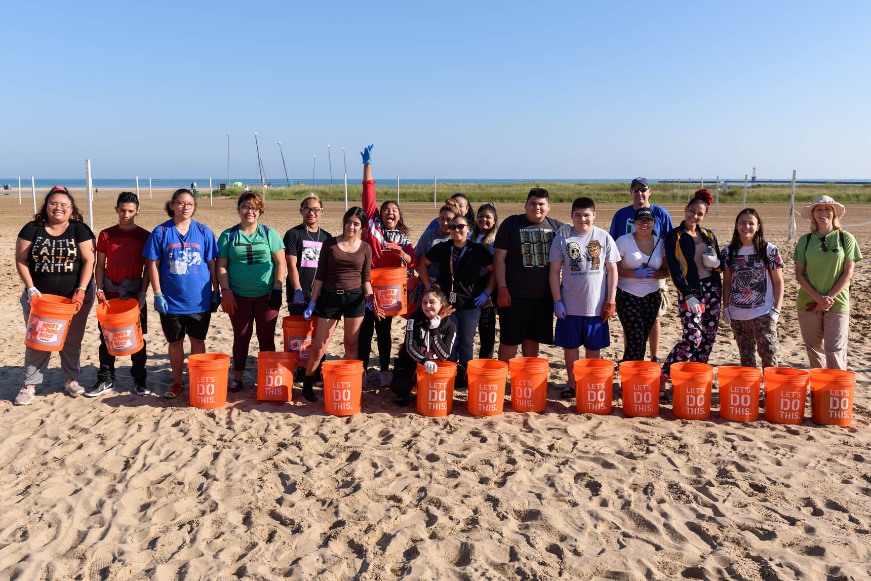 Sierra Club beach cleanup at Montrose Beach in Chicago - Event Photography by Michael Courier